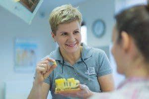 onlay-to-idealna-praca-protetyczna-do-uzupenlienia-duzych-ubytkow-w-klinice-stomatologicznej-w-poznaniu