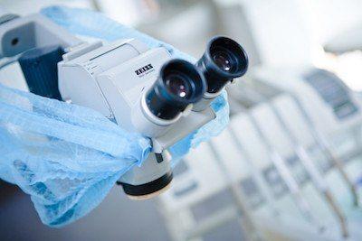 klinika-stomatologiczna-w-poznaniu-specjalizuje-sie-w-leczeniu-kanalowym-pod-mikroskopem